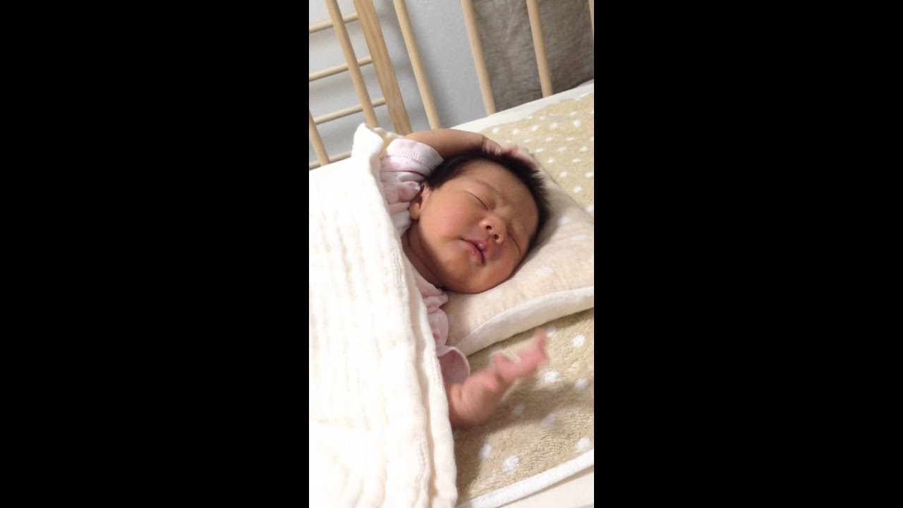 新生児の反射。モロー反射 Moro Reflex