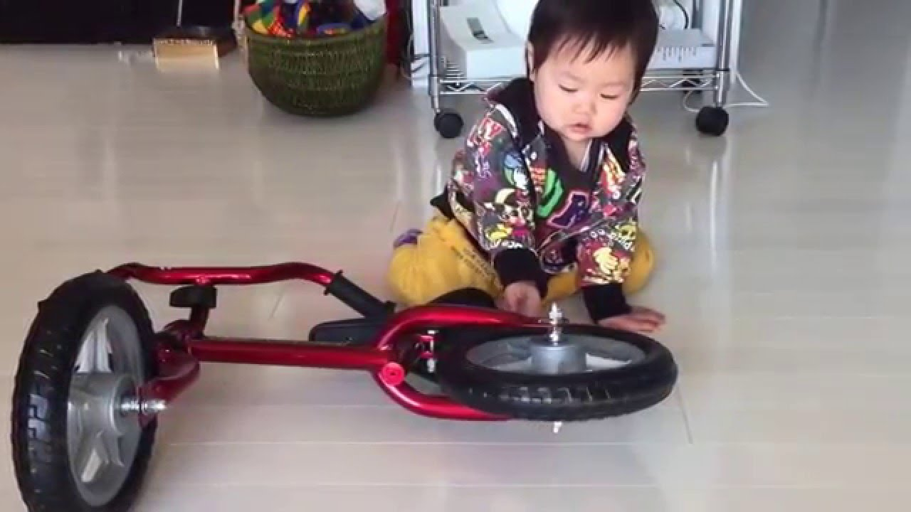 バランスバイクと1歳6ヶ月女児