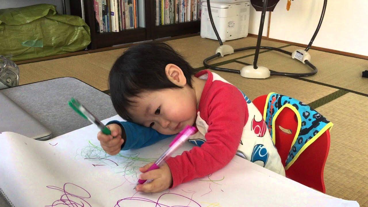 ボールペンと1歳6ヶ月幼児