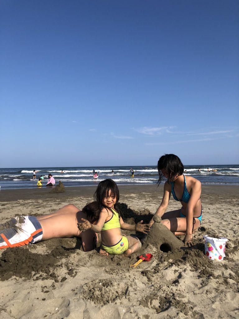 子育てマンガ スーパーねねにゃん | 本須賀海水浴場