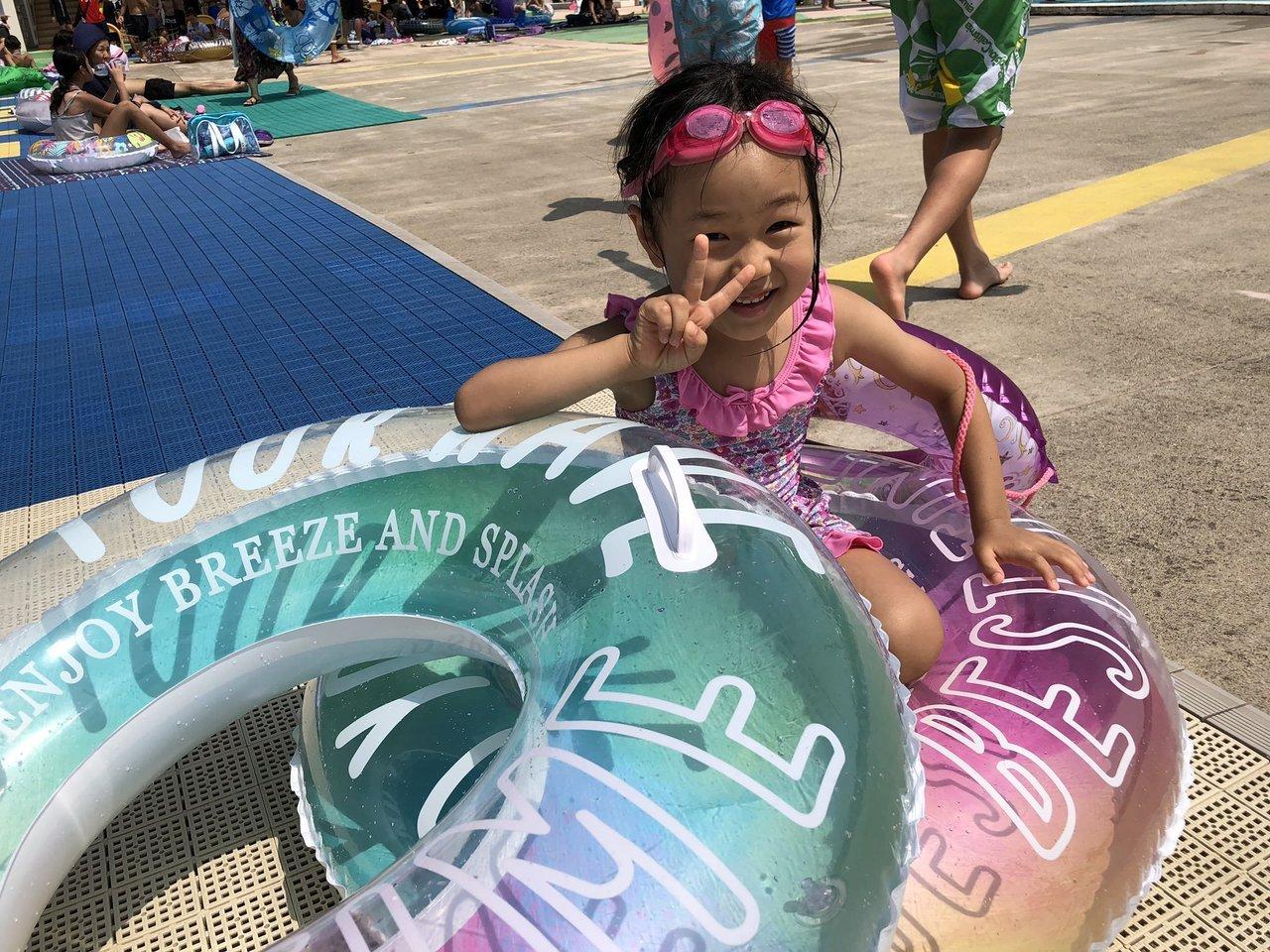 今夏初の屋外 プール 。