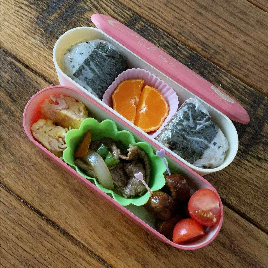幼稚園弁当 おにぎり弁当 みかん入り